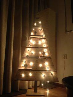 Zelf houten kerstboom maken Do it Yourself wooden christmas tree