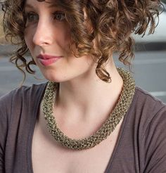 Coffee with Ron Necklace (Picott) kit Crochet Fashion, Curly Hair Styles, Beaded Necklace, Bling, Kit, Chain, Color, Needlework, Beautiful