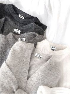 Acne studios sweaters Str L Fashion Mode, Look Fashion, Womens Fashion, Fashion Trends, Fashion Tips, Petite Fashion, 90s Fashion, Fall Fashion, Grey Fashion