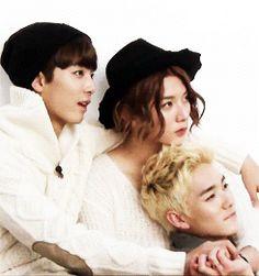 JR, Ren and Aron at cancam3 magazine photoshoot ♥ JR's smile when Ren takes their hands♡ awwwn