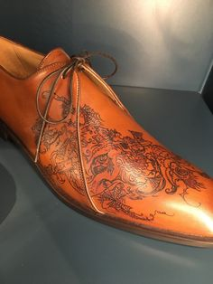 Real Tattoo, Big Guys, Men S Shoes, Oxford Shoes, Men's Fashion, Dress Shoes, Lace Up, London, Ankle Boots