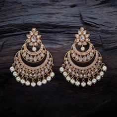 Black Gold Jewelry Latest Diamond Earrings Designs - Looking for latest diamond earrings designs? Here are 23 Indian diamond earring designs that will stun you! Indian Jewelry Earrings, Indian Jewelry Sets, Fancy Jewellery, Jewelry Design Earrings, Ear Jewelry, Antique Earrings, Fashion Earrings, Diamond Jewelry, Diamond Earrings