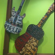License plate guitars at berry Austin License Plate Crafts, Old License Plates, License Plate Art, Old Plates, Texas Pride, Decorating Ideas, Craft Ideas, Origami Art, Journal Art