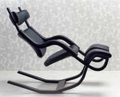 kneeling chair Gravity Balance. Kneeling Chair, Exercise Equipment, Bed Furniture, Chair Design, Nook, Wood Projects, Workshop, Chairs, Houses