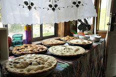 Pies pies pies yumm-mm-yummy