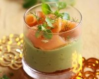 Verrines de saumon fumé et crème d'avocat au citron vert (facile, rapide) - : variante crevette