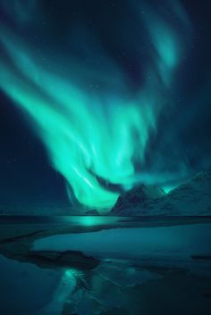January 25 2017 at from utrippy The Effective Pictures We Offer You About Aurora borealis northern lights finland A quality picture can tell you many things. You can find the most beautiful pi Lofoten, Aurora Borealis, Beautiful Sky, Beautiful Landscapes, Landscape Photography, Nature Photography, Night Photography, Landscape Photos, Scenic Photography