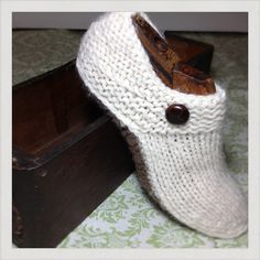 Easy Knitting Pattern For Short Row Slippers : 1000+ images about Knitted slippers and socks on Pinterest ...