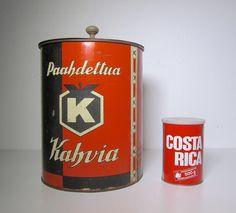 Kahvipurkki ja kahvipurkki Vintage Tins, Old Ads, Vintage Country, General Store, Vintage Recipes, Canisters, Coffee Time, Grocery Store, Jars