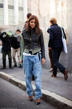 Parisienne: How to Look Feminine in Baggy Jeans