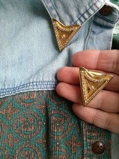 Hey, I found this really awesome Etsy listing at https://www.etsy.com/listing/202952659/vintage-1980s-collar-tips-rhinestones