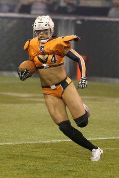 Ladies Football League, Female Football Player, American Football League, Football Girls, Football Team, Football Helmets, Athletic Models, Athletic Women, Lfl Players