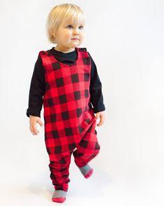 Easy to sew romper pattern PDF Toddler Boy Romper, Toddler Sweater, Toddler Boy Outfits, Toddler Fashion, Toddler Sewing Patterns, Sewing Kids Clothes, Baby Clothes Patterns, Sewing For Kids, Kids Dungarees
