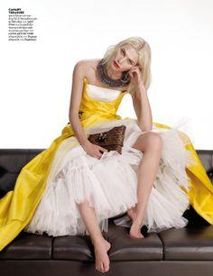 nice Vogue Tailândia Fevereiro 2014   Aline Weber por Nat Prakobsantisuk  [Editorial]