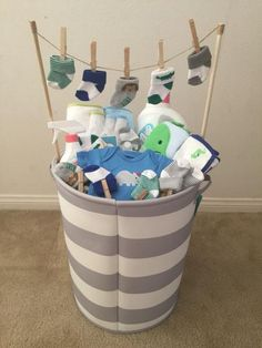 (Idea from my mother-in-law) - Baby Diy - Baby baby shower gift! (Idea from my mother-in-law) … Baby baby shower gift! (Idea from - Baby Shower Gift Basket, Baby Baskets, Baby Shower Gifts For Boys, Baby Shower Parties, Baby Boy Shower, Baby Shower Presents, Creative Baby Shower Gift, Basket Gift, Baby Gifts For Boys