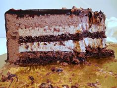 """La mia versione 2.0 della famosa torta ideata dal Maestro Biasetto.   """"Pseudo"""" perché la ricetta originale è segretissima e può conoscerla ..."""