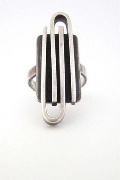 Joseph Skinger 'paperclip' ring