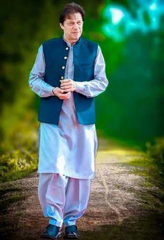 Imran Khan Pic, Imran Khan Pakistan, Pakistan Zindabad, Photo Poses For Boy, Boy Poses, Imran Khan Wedding, Pakistan Pictures, Winnie The Pooh Cartoon, Beauty Army