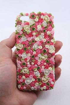 iphone case from polymer clay.Handmade iphone case from polymer clay. Polymer Clay Kunst, Cute Polymer Clay, Polymer Clay Flowers, Polymer Clay Charms, Polymer Clay Creations, Diy Clay, Polymer Clay Jewelry, Clay Crafts, Kawaii Phone Case