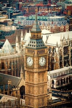 The Clock Tower, better known as 'Big Ben', Londres