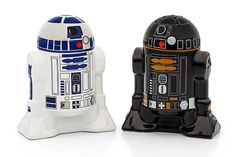 Control the spice in your universe. Star Wars Droid Salt and Pepper Shakers for all your good and evil spice needs.