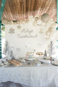 Winter Onederland - Baby's First Birthday Party - gen y girl- - birthdayparty. - Birthday - Winter Onederland - Baby's First Birthday Party - gen y girl- - birthdayparty. Winter Onederland - Baby's First Birthday Party - gen y girl- - - First Birthday Winter, Winter Birthday Parties, 1st Birthday Party For Girls, Girl Birthday Party Themes, 1 Year Birthday Party Ideas, Winter Party Themes, Winter Party Decorations, Parties Kids, First Birthday Party Decorations