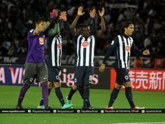 Al finalizar el partido, los Jugadores #Rayados agradecieron a su Afición por el apoyo brindado