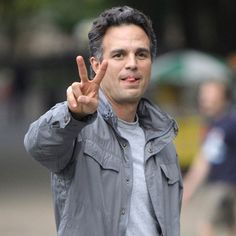 Showbiz, Movies, Mark Ruffalo would wrestle for world | Lycos Video