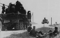Sd.Kfz 7/1 and Panzer IV