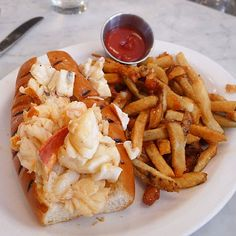 Neptune Oyster; Boston : Best Lobster Roll Food and Wine Magazine