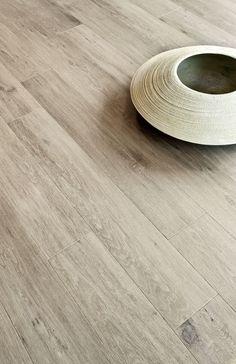 Met een kurkvloer in parketlook maak je van elke kamer één van de aangenaamste ruimtes van je huis. #kurk #vloer #parket