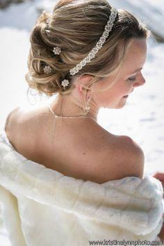 Bridal hair, wedding updos, curls, mid length blonde updo. Featured in Luxe Mountain Weddings   http://luxemountainweddings.com/…/a-winter-elopement-in-th…/