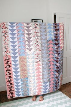 Phew! I finished my sister's flying geese quilt just in the nick of time for her arrival over the weekend! I even had to do some hand stitching for the binding during the daytime !? which is kind ...
