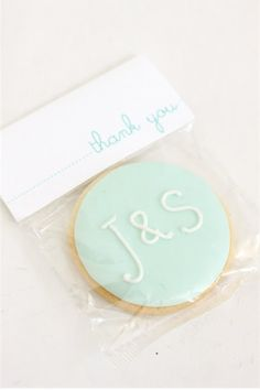 This is a cute wedding favor idea. Especially if they said DJL2