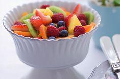 Ovocný salát   Apetitonline.cz Kiwi, Fruit Salad, Food, Pineapple, Fruit Salads, Essen, Meals, Yemek, Eten