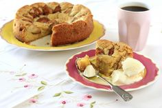 Omenakakku (Apple Cake) by Peggy Saas Gluten Free Apple Cake, Healthy Apple Cake, Vegan Apple Cake, Moist Apple Cake, Easy Apple Cake, Fresh Apple Cake, Apple Cake Recipes, Dessert Recipes, Desserts