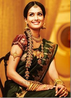South Indian bride gets ready for her marriage day with a beautiful smile ...