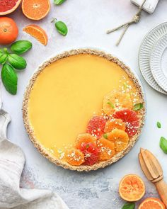 Citrus tart (vegan, gluten-free & refined sugar free) 🍊🍋 Friday is here an. Doux +, E Krup, Doux + Citrus tart (vegan, gluten-free & . Tart Recipes, Dessert Recipes, Cooking Recipes, Citrus Recipes, Juice Recipes, Easy Cooking, Dessert Ideas, Tarte Vegan, Gluten Free Oats