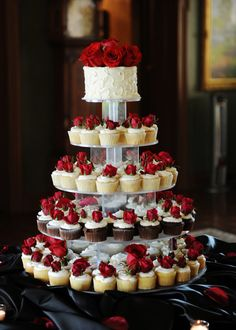 Present an Event: Red and White Wedding - Tiffany Hofeldt Photography
