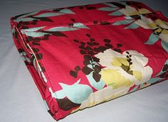 Casserole cover sewing tutorial. LOVE this!