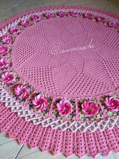 Floral crochet doily with swans-holiday doily by KroneCrochet Crochet Mandala Pattern, Crochet Doily Patterns, Crochet Doilies, Knitting Patterns, Crochet Blanket Edging, Baby Afghan Crochet, Filet Crochet, Hat Crochet, Crochet Carpet