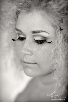 Eyelashes. Makeup by Josefine Svensson (Laholm). © Mette Ottosson Photography