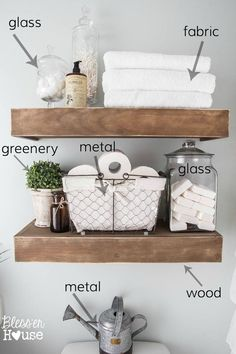 Tips for styling vignettes like a designer using simple decorating rules for mantels, tabletops, shelves, dresser tops, and nightstands. #vignette #vignettestyling #decoratingtips #stylemantel