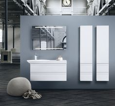 With Cadenza you have a design gem that brings the counter tops together with its unconventional design, giving you more surround. It also becomes easier to share the mirror when the bathroom becomes busy.