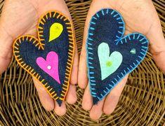 Corazones!!! Diseño Chicoca Deco #corazones #imanes #bordado #fieltro #colores Felt Projects, Deco, Flora, Women, Magnets, Felting, Hearts, Needlepoint, Manualidades