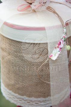 Κουτί βάπτισης για κορίτσι vintage με λινάτσα και floral ύφασμα