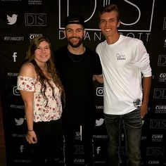 Thanks for the photo Noah! #countryshore #dylanscott #meetandgreet #dryfit #countrymusic #countryconcerts