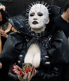 The best Female pinhead cenobite from hellraiser (@lorettavampz)