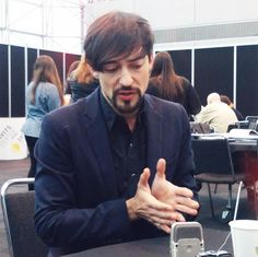 "If Blake Ritson had one piece of advice to give to Riario, it would be ""get a new optometrist."" #DaVincisDemons #NYCC"