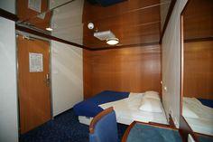 Cabine confortevoli ti accompagnano in un #viaggio all'insegna del #relax. MOBY #TraghettiSardegna www.moby.it/rotte/traghetti-sardegna.html
